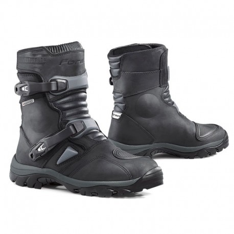BOTA FORMA ADVENTURE LOW NEGRO